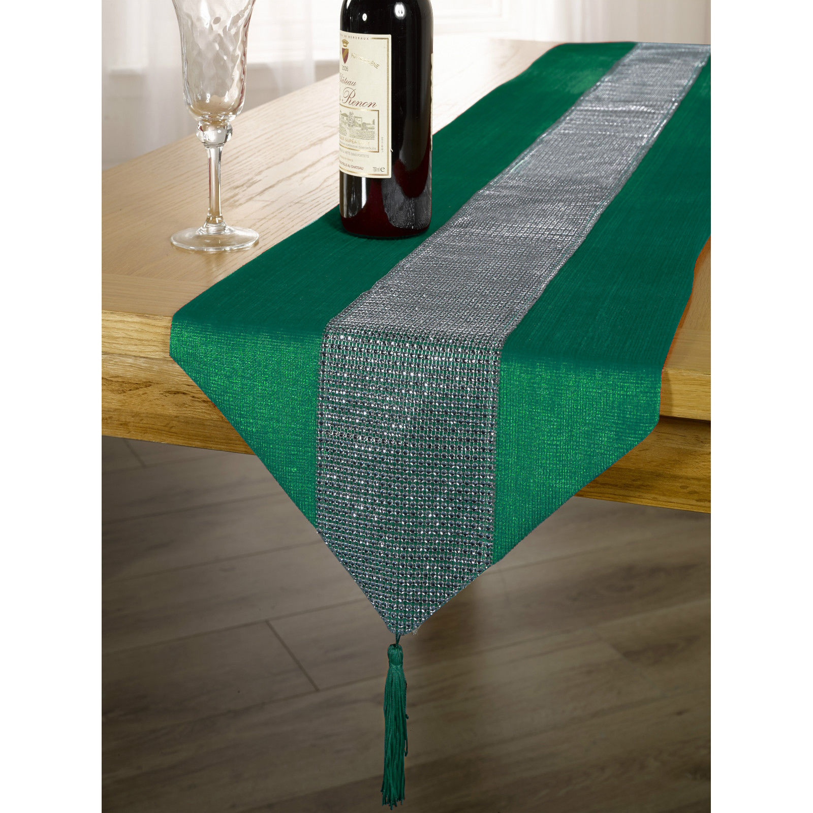 Here at MesaChic Parties we specialize in handmade Mexican table linens! From table runners, tablecloths, napkins or placemats. Bright and fun colors to adorn your Fiesta Party table and to represent the vibrant culture that is Mexico.