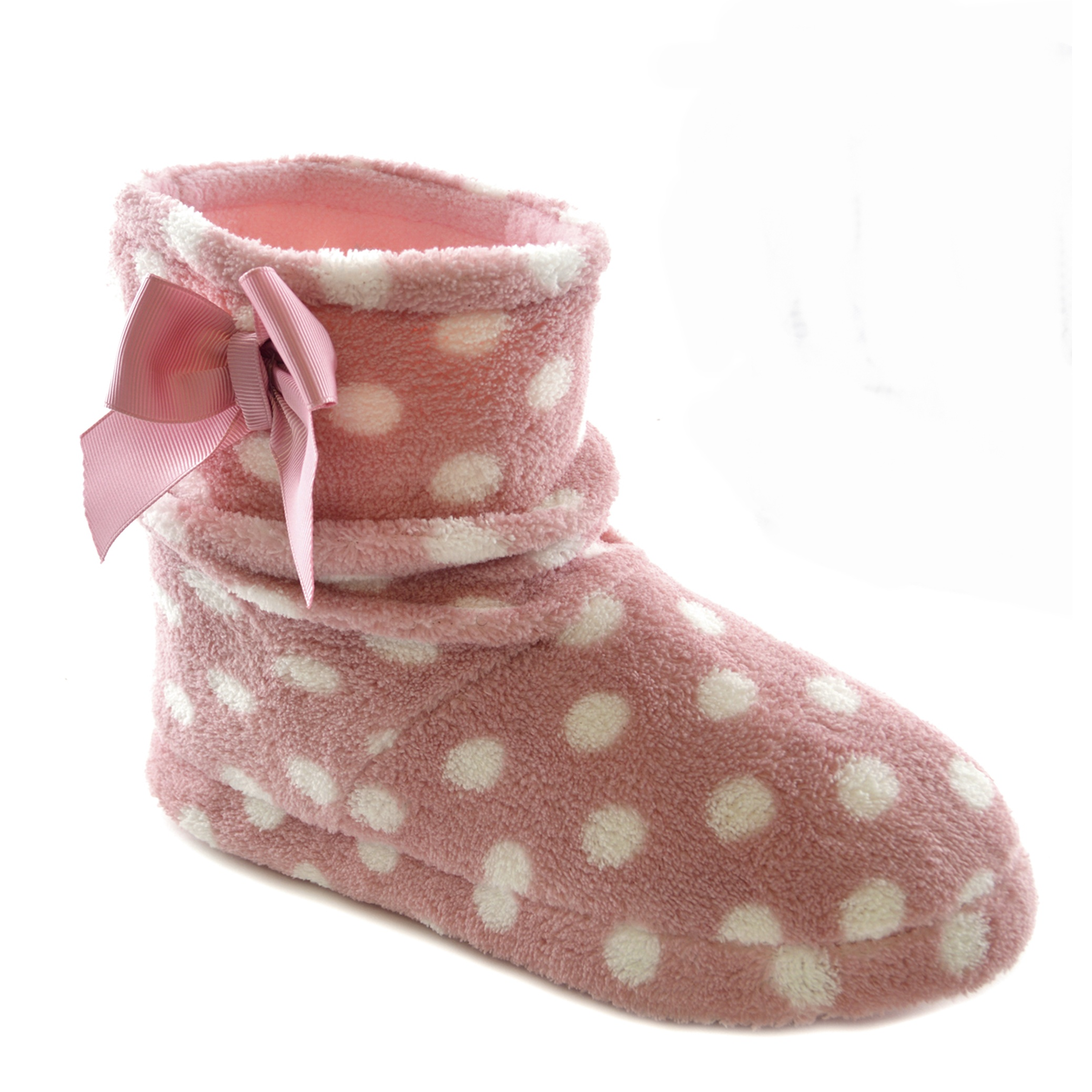 Shop for women's slippers online at DSW, where we feature a wide variety of slipper types, including moccasins, knit slippers, house shoes, slipper boots, and more.